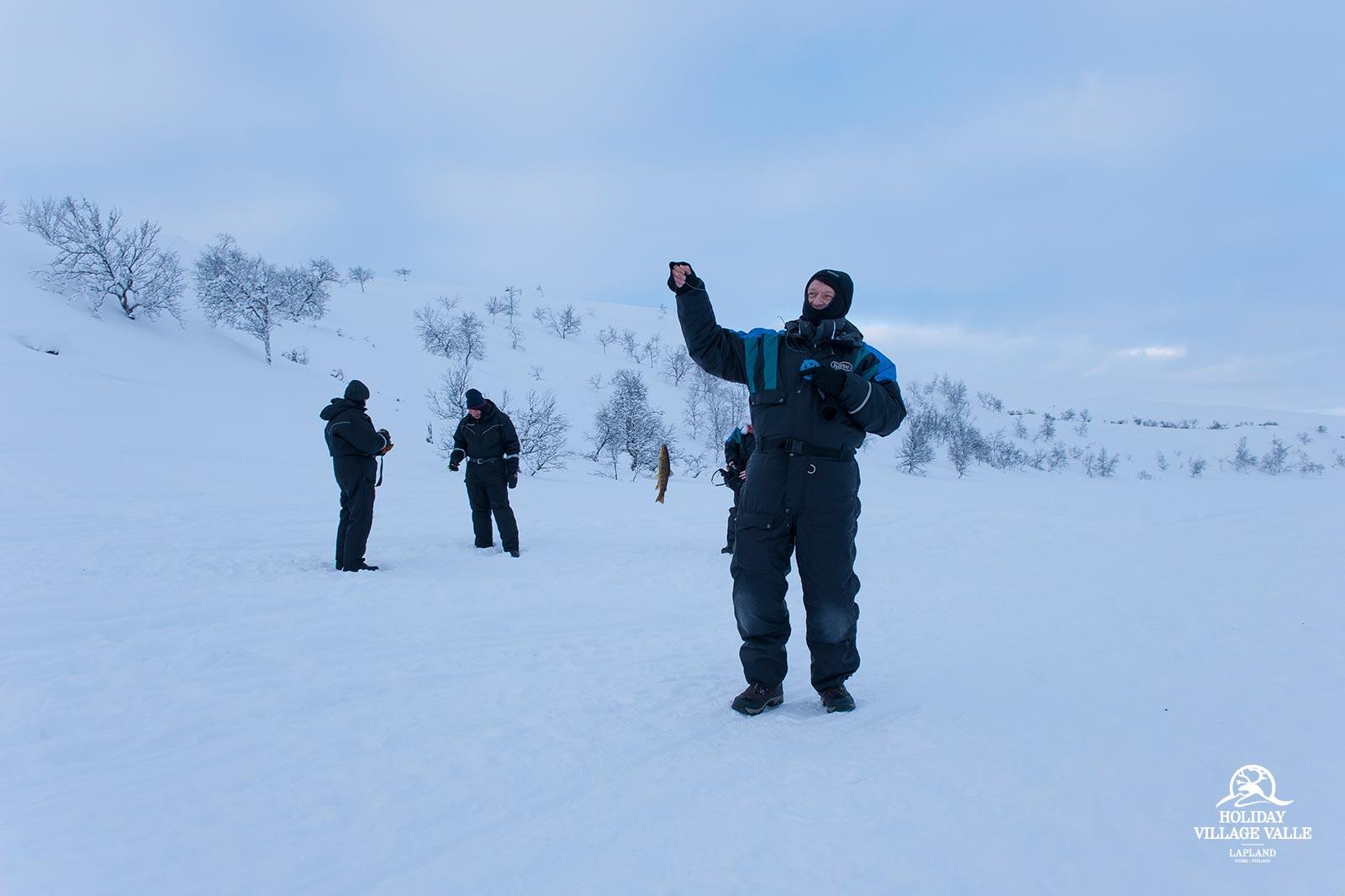 gallery-winter-adventure-holiday-village-valle-lapland-011