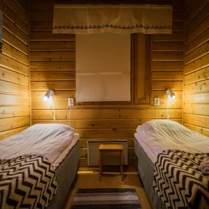 Holiday Village Valle Lomakylä Valle Utsjoki majoitus mökki makuuhuone