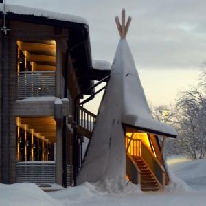 Holiday Village Valle Lomakylä Valle Utsjoki majoitus hotelli