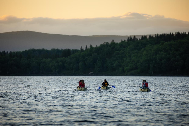 Holiday Village Valle Restaurant Deatnu Utsjoki Lapland Finland Summer activities Midnight Sun Canoeing